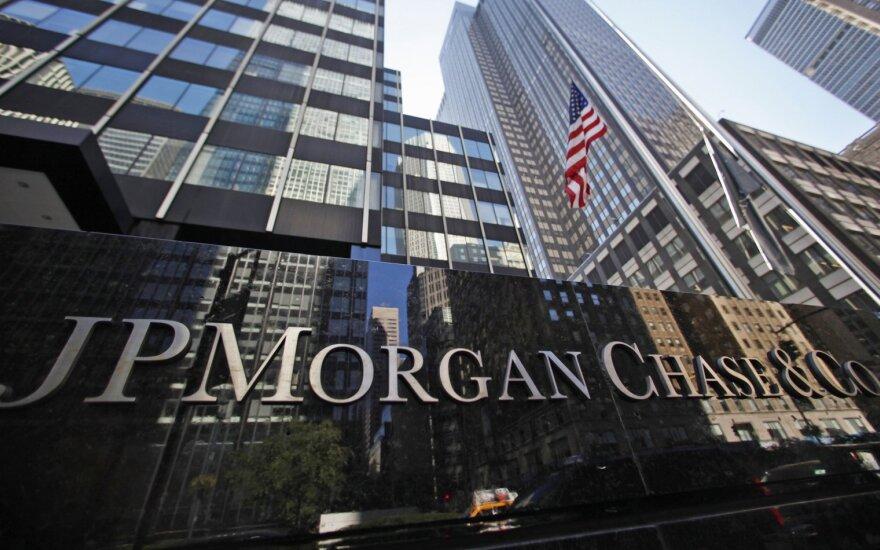 Net griežtos priemonės nepadeda apriboti įtartinų operacijų bankuose