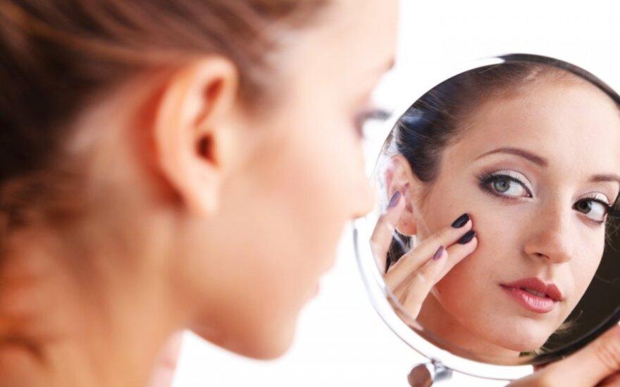 mergina, išvaizda, veidrodis