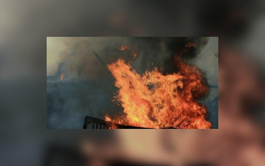 Biržuose sudegė 4 žmonės