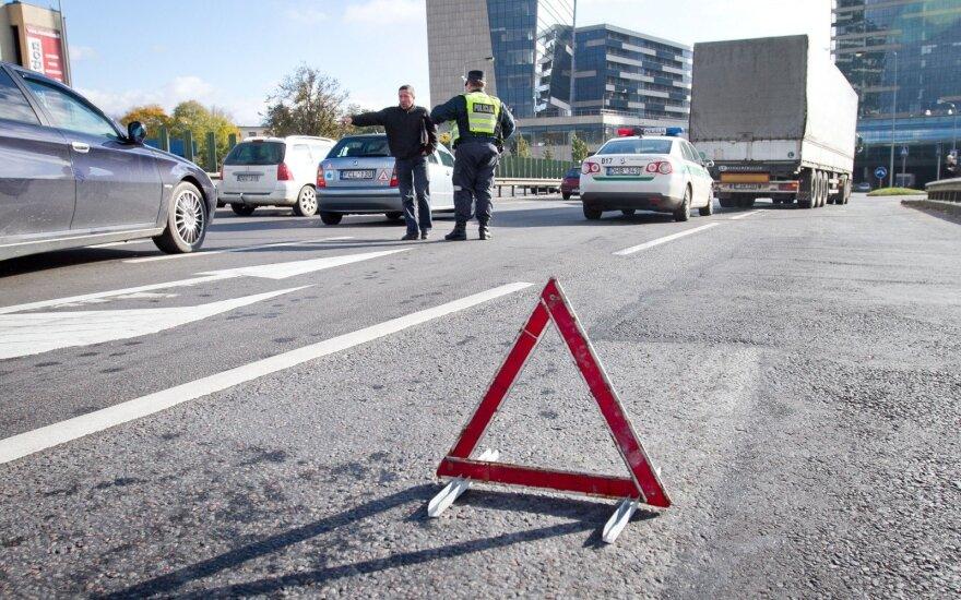 Ką blogai daro vairuotojai, kelyje pamatę eismo įvykį?