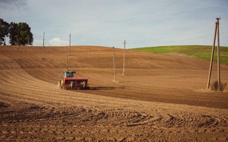 Penki dalykai, kuriuos būtina įvertinti renkantis žemės ūkio techniką