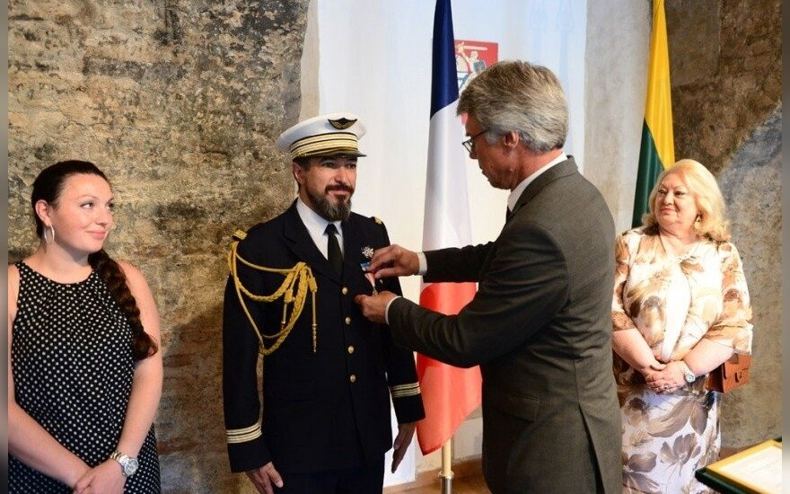 Lithuania's Deputy Minister of National Defence Antanas Valys on Monday presented the National Defence System Medal of Merit to the outgoing French Defence Attaché Lieutenant Colonel Jean-Luc Lopez