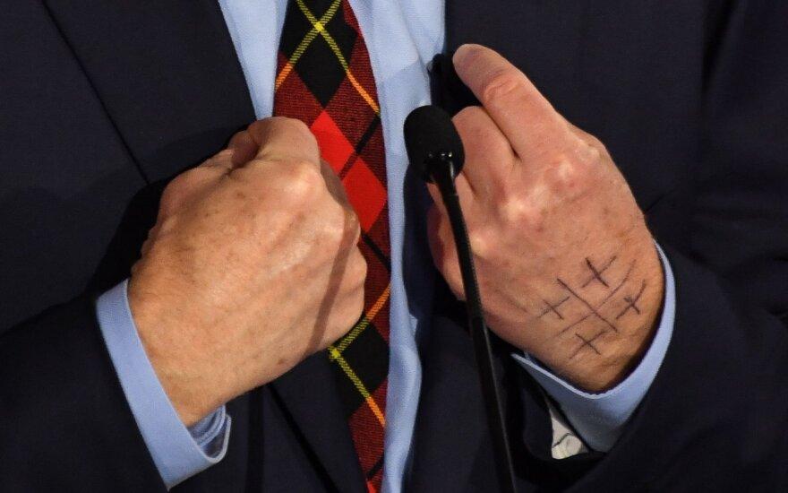 Simbolis ant Tomo Steyerio rankos