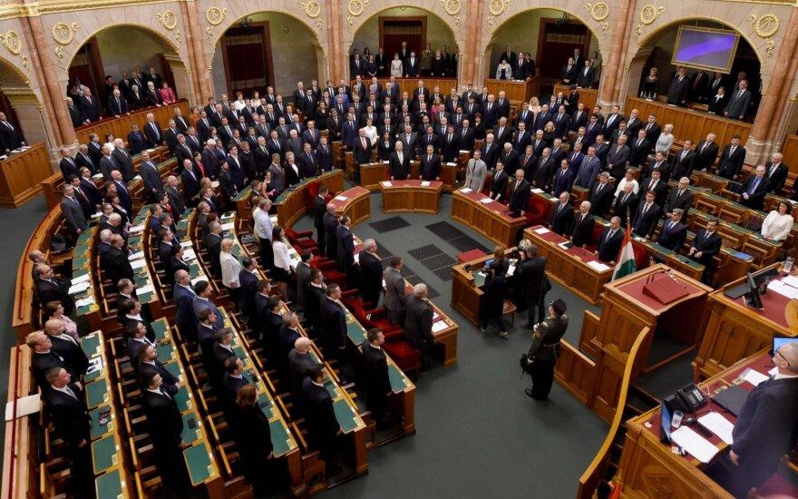 Vengrijoje dėl antisemitinių pareiškimų iš parlamento traukiasi vienas jo narys