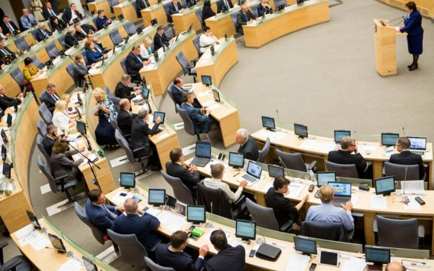 Lithuanian parliament votes to allow EU citizens to join political parties