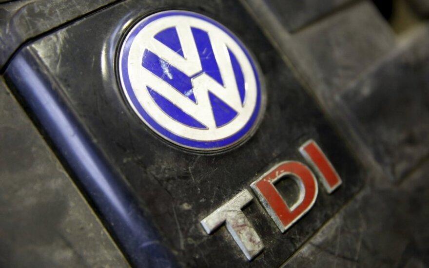 """""""Volkswagen"""" pripažino radusi naujų pažeidimų savo automobiliuose"""