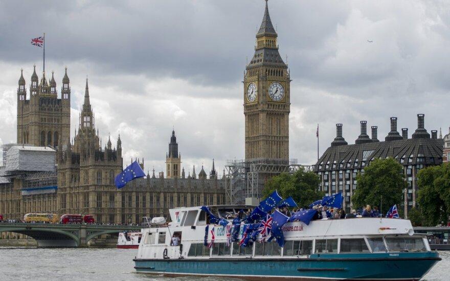 Prieš derybų startą Prancūzija turi perspėjimą JK: šantažas nepadės