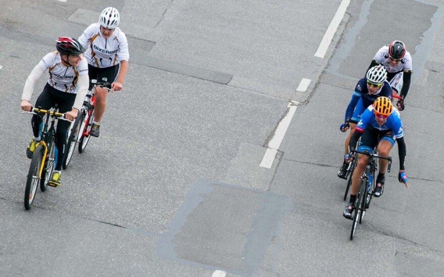 """""""Tour de France"""" etapą R. Navardauskas baigė autsaiderių grupėje"""