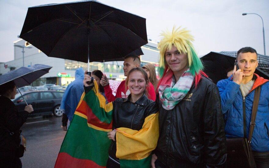 Lietuva nusidažė žaliai: tūkstantinės sirgalių armijos laukė aukso medalių