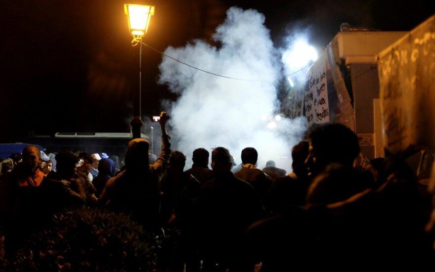 Graikijos Lesbe per išpuolius prieš migrantus sužeista bent 10 žmonių