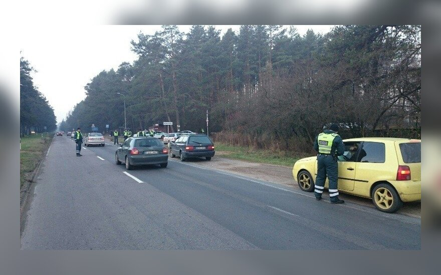 Dėl avarijos Nemenčinės plente prašoma rinktis kitą kelią