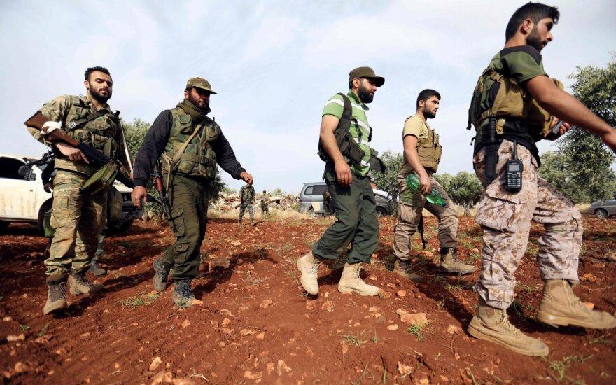 Rusija: toksiškų medžiagų turintys kovotojai Sirijoje atakuoja vyriausybines pajėgas