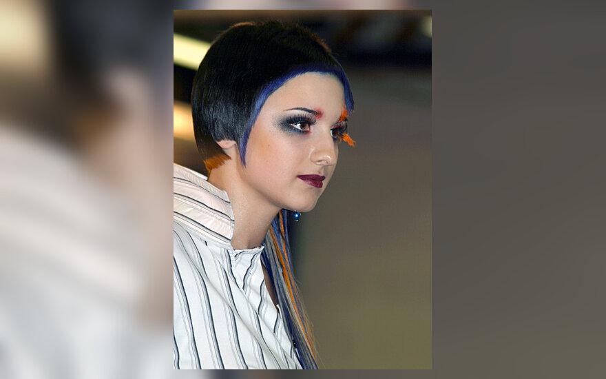 """""""Gintarinė sruoga 2006"""". Bacelienės Jolitos modelis. III vieta"""