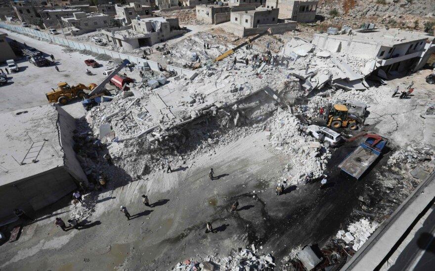 Sirijoje nugriaudėjusio sprogimo ginklų sandėlyje aukų padaugėjo iki 69