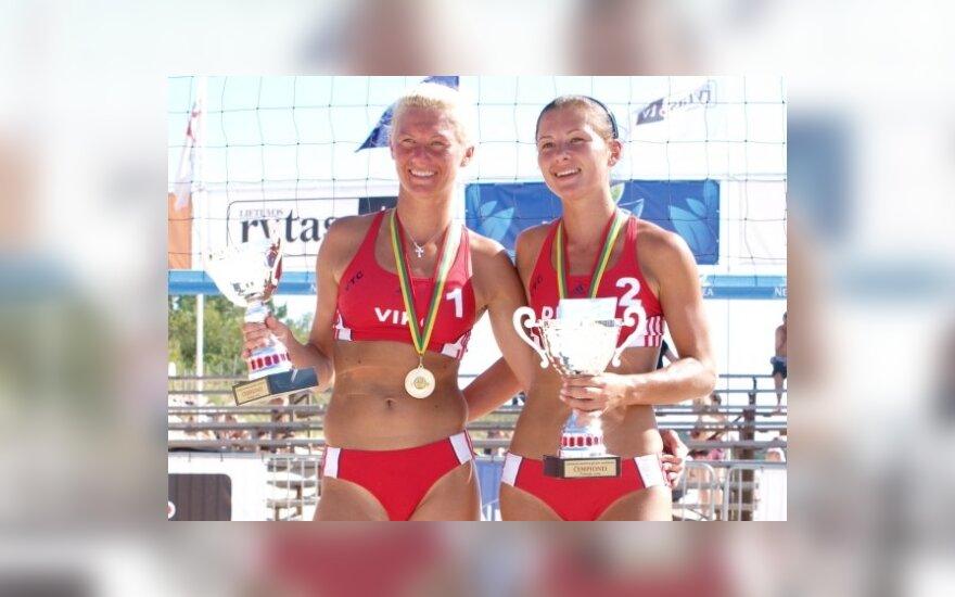 Čempionės V. Daškevičiūtė ir D. Šuopytė