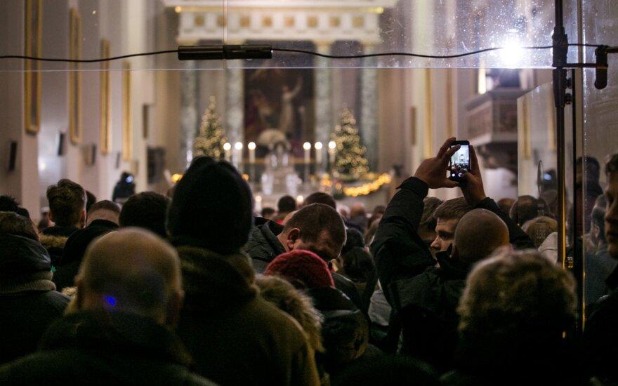 Bishops permit public Masses on Sundays