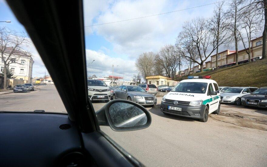 Vilniaus centre susidūrus trims automobiliams nukentėjo vyras ir vaikas