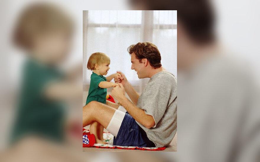 Tėtis su kūdikiu