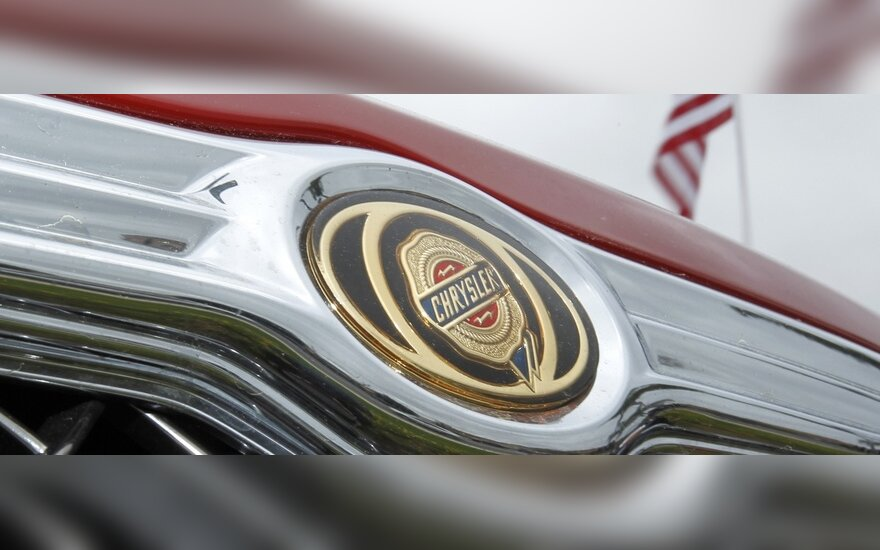 """""""Fiat"""" padidino turimą """"Chrysler"""" dalį iki 46 proc."""