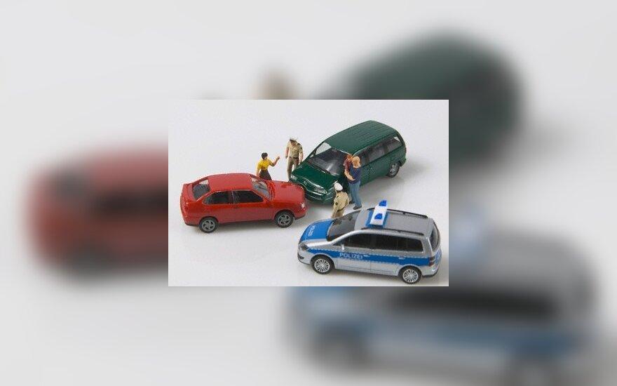 Dėl sukčiavimų automobilių draudimas Britanijoje pabrango 40 proc.