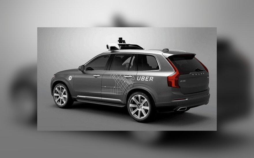 """""""Uber"""" kompanijos ruošiamas """"Volvo XC90"""" automobilis"""