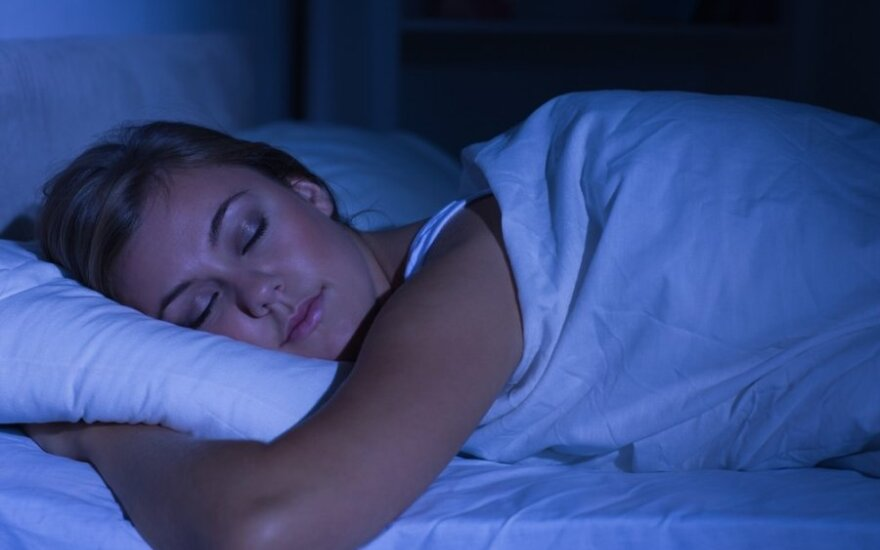 Saldus miegas ir gera savijauta: ar yra ryšys?