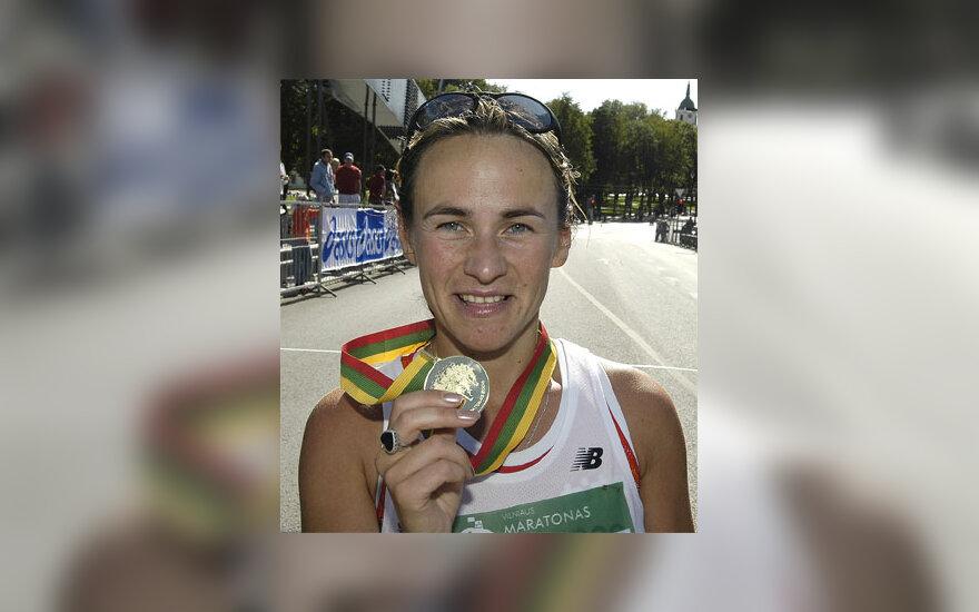 Pirmojo tarptautinio Vilniaus maratono nugalėtoja lietuvė K.Saltanovič.