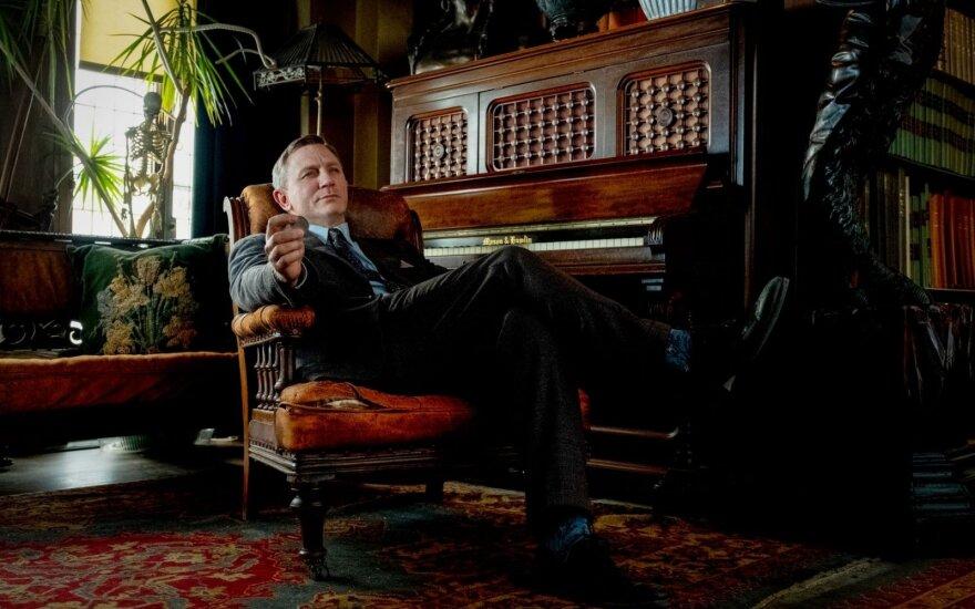 """Danielis Craigas, kadras iš filmo """"Ištraukti peiliai"""""""