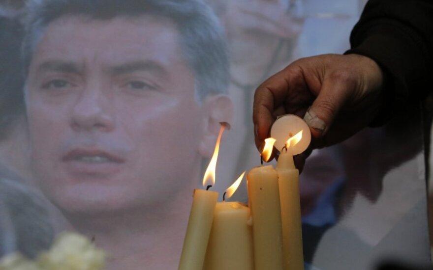 Prie Rusijos ambasados Kijeve atidarytas Nemcovo skveras