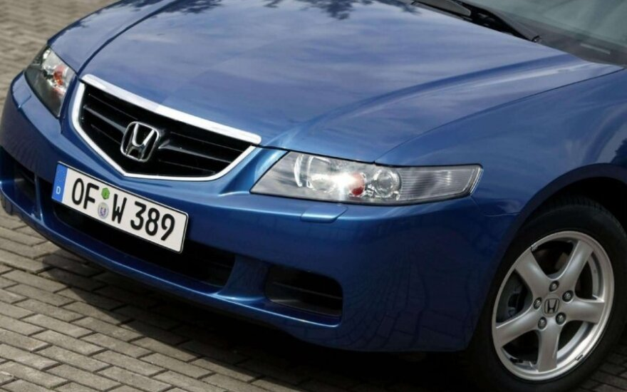 Honda Accord (2004 m.)