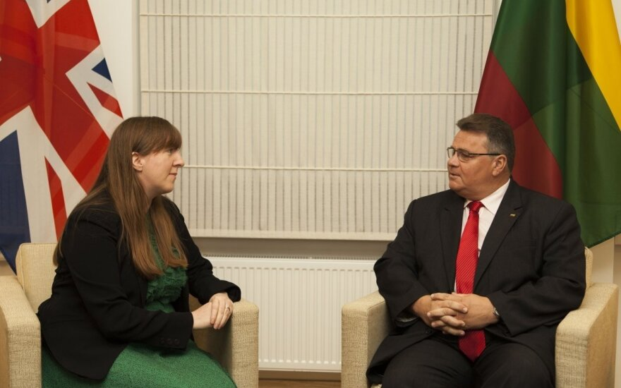 UK Ambassador Claire Lawrence and Lithuanian Foreign Minister Linas Linkevičius. Photo MFA