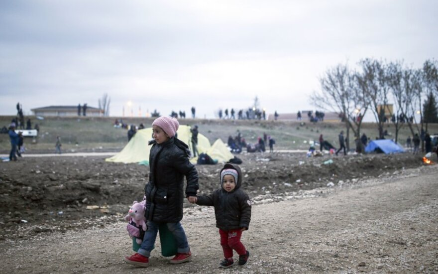 Graikijos URM: Turkija siunčia prie sienos ne pabėgėlius sirus, o migrantus