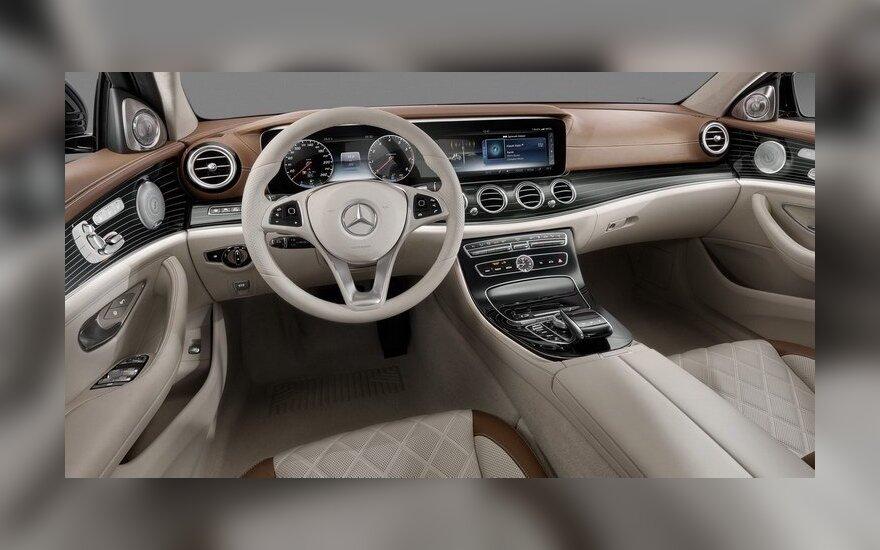 """Mercedes-Benz"" E klasės salonas (2016 m.)"