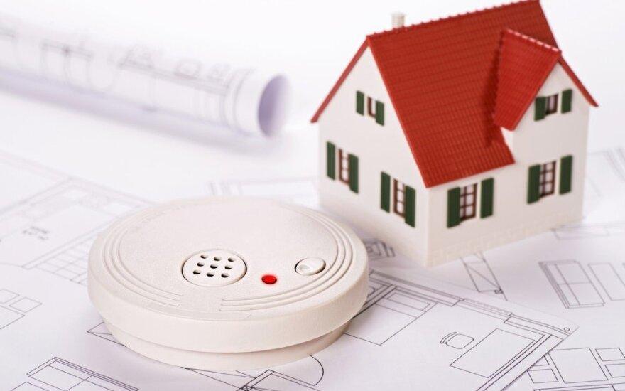 Dūmų detektorių montavimas: kokių klaidų nedaryti