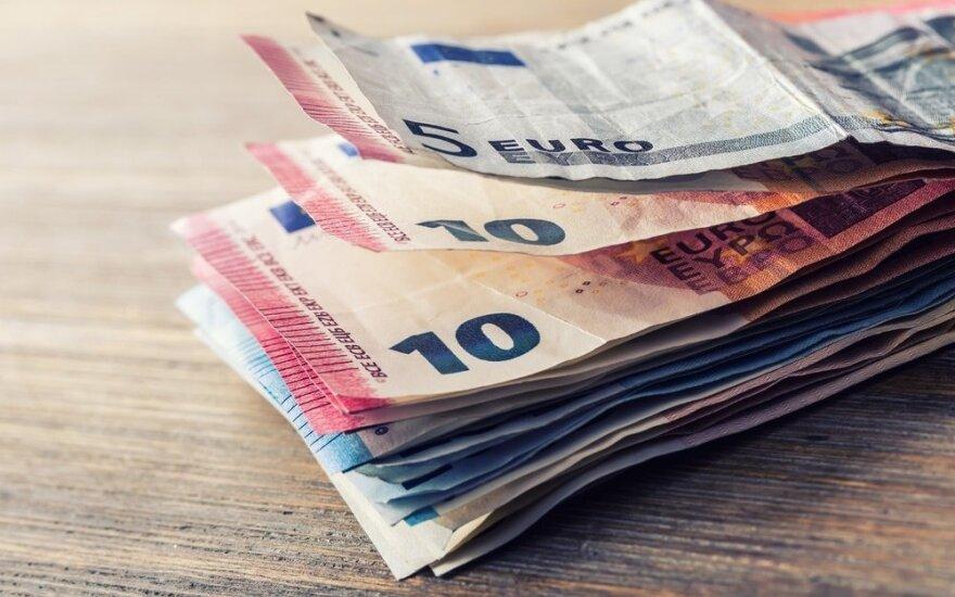 Bankomate nemažą sumą radęs jurbarkietis nustebino pinigus palikusią moterį