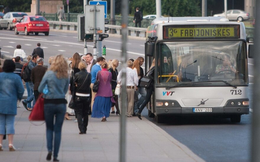 Lithuanian language commission rejects English signs on buses servicing Vilnius airport