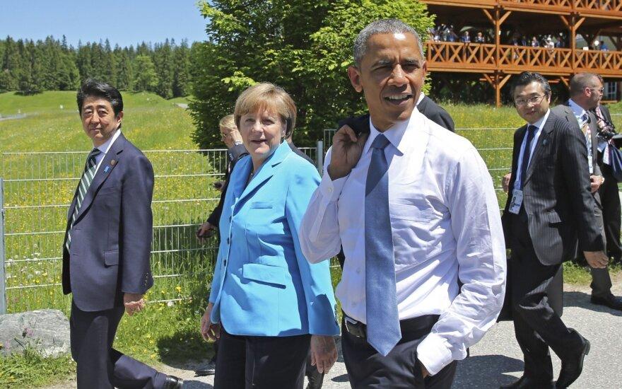 Angela Merkel and Barack Obama in a G7 meeting
