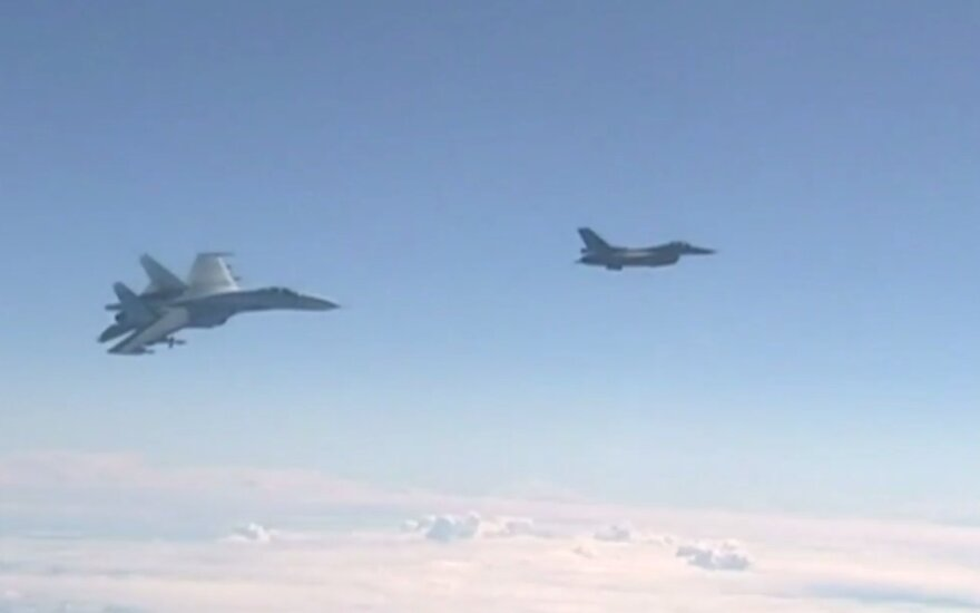 Russian and NATO jets