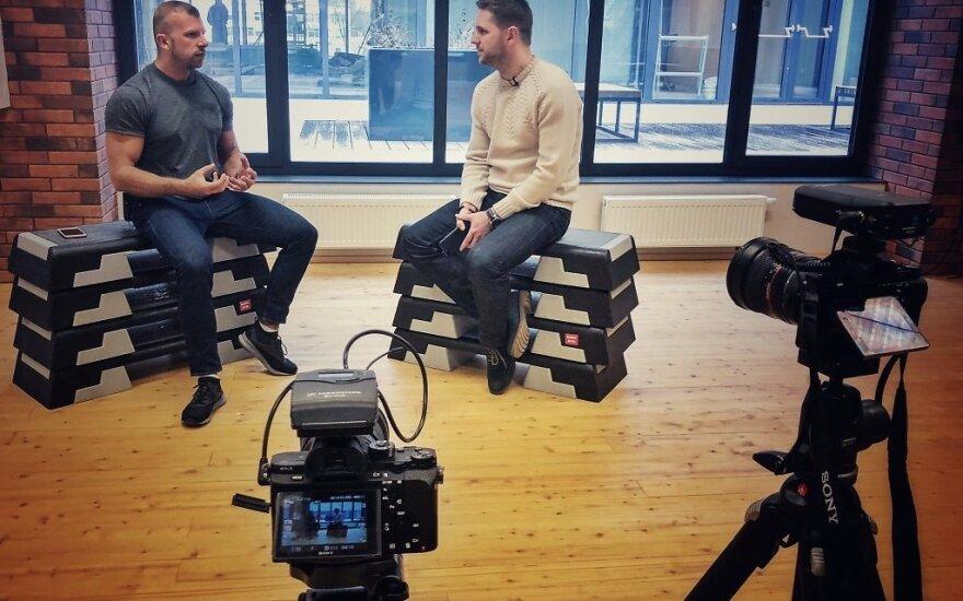 Videoblogai: lengvi pinigai ar sunkus darbas?