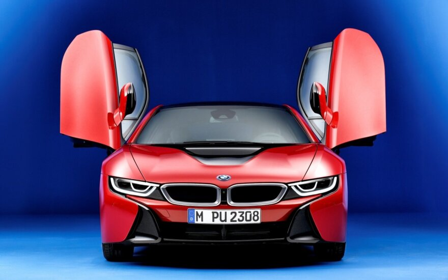 """BMW i8 Protonic Red Edition"""