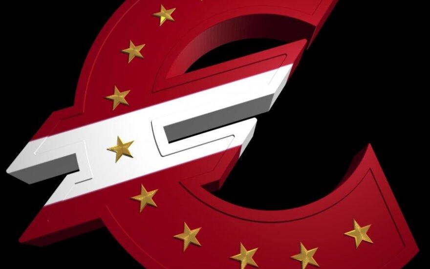 EP leido Latvijai įsivesti eurą, bet tai dar ne pabaiga
