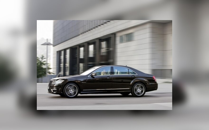 Rusijoje populiariausia automobilių spalva – juoda