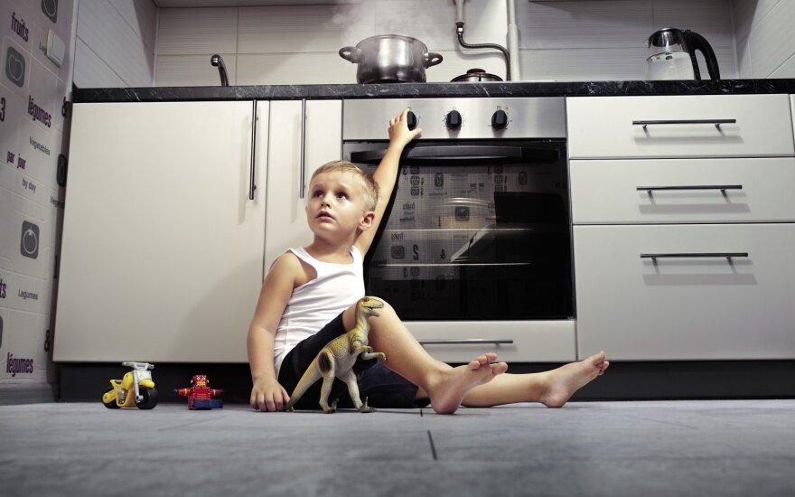 Kaip apsaugoti vaiką nuo namuose slypinčių pavojų?