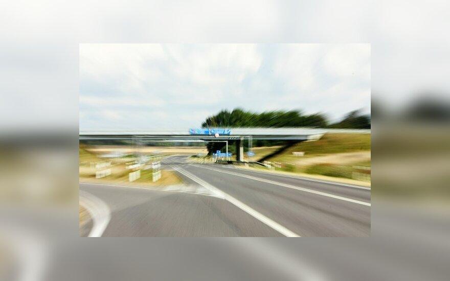 Dauguma vairuotojų viršija greitį greitkeliuose
