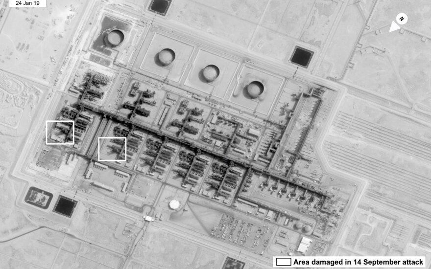 """Pompeo: atakos prieš Saudo Arabijos naftos infrastruktūrą yra """"karo aktas"""""""
