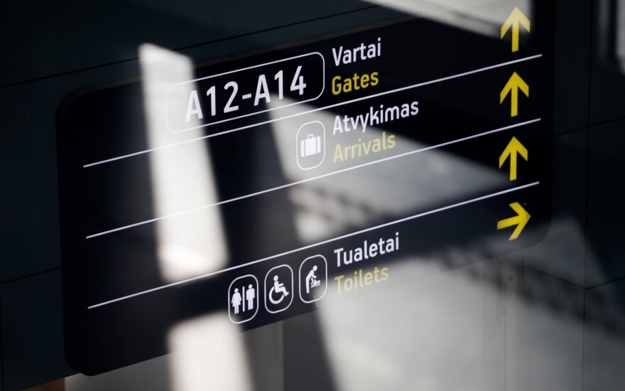 Dėl koronaviruso grėsmės Lietuvos oro uostuose budi visuomenės sveikatos specialistai