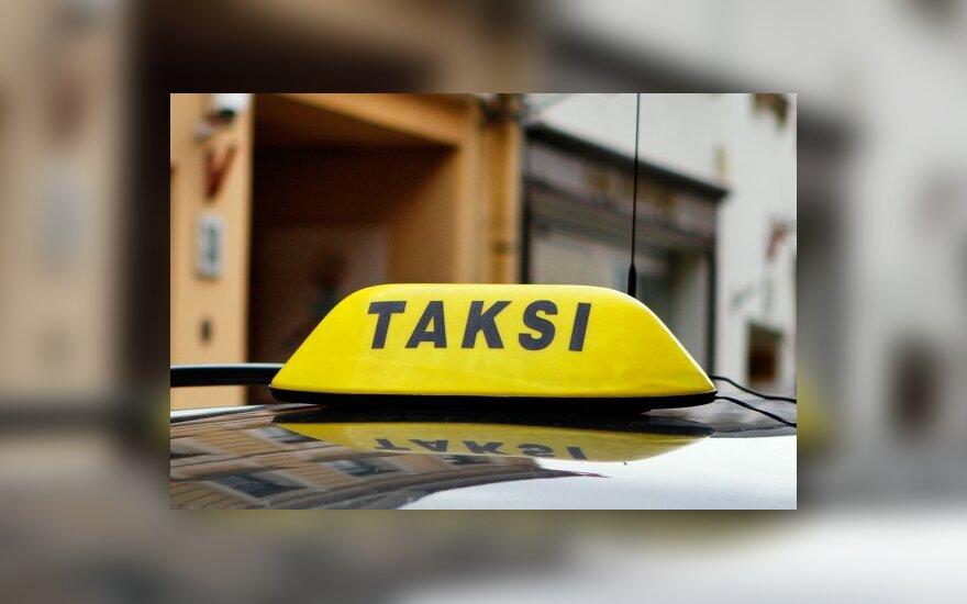 Į oro uosto taksi sėda tik bepročiai arba užsieniečiai