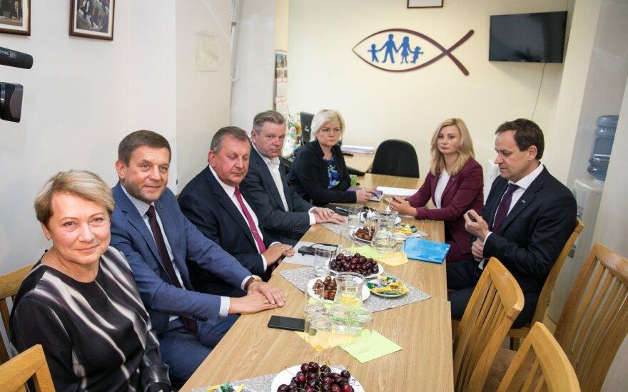 """""""Auksinė"""" Seimo frakcija: sulaukė savo valandos, dabar kelia reikalavimus"""