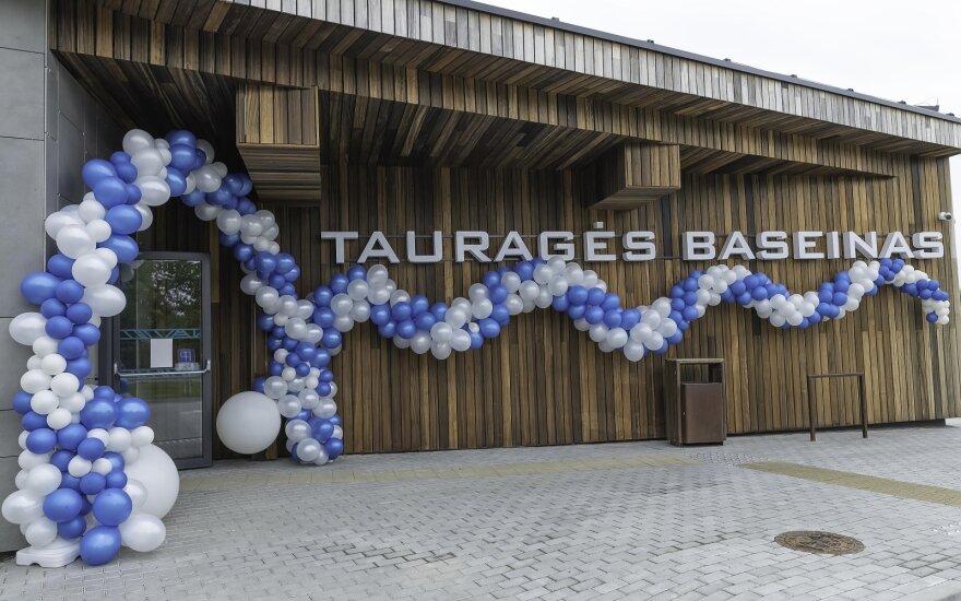 Tauragėje – naujas traukos centras: duris atvėrė modernus baseinas su pirčių erdve