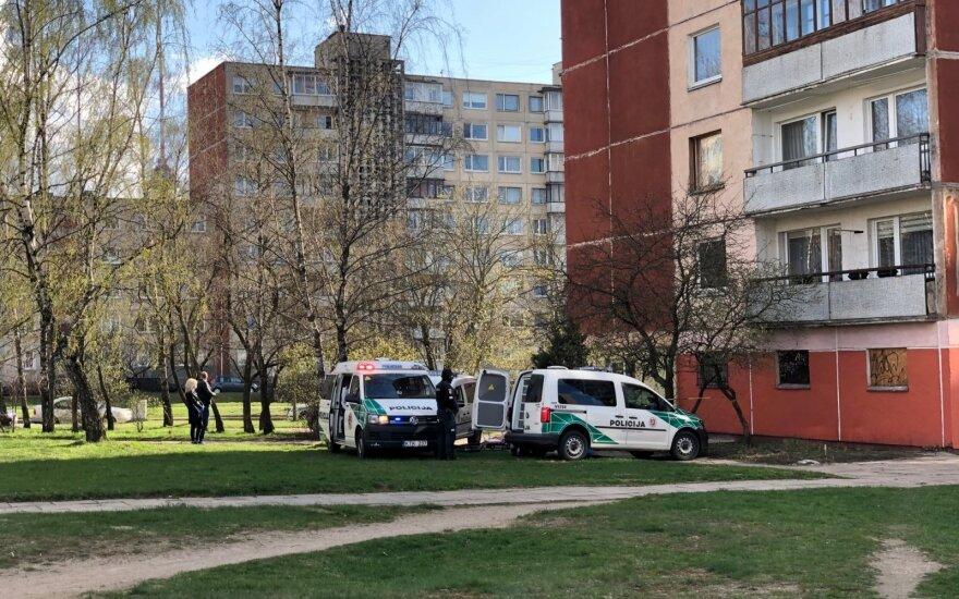Baisi nelaimė Vilniuje: žuvo iš daugiaaukščio iškritęs 11 metų berniukas